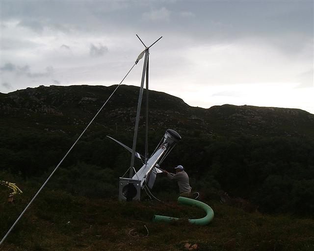 wind-turbine-erecting-003-small.jpg