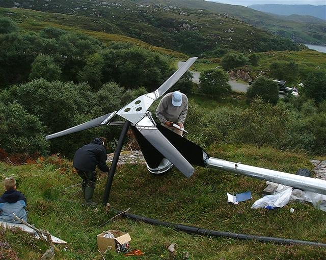 wind-turbine-erecting-004-small.jpg