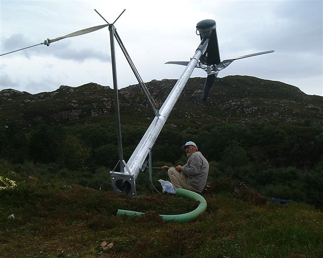 wind-turbine-erecting-006-small.jpg