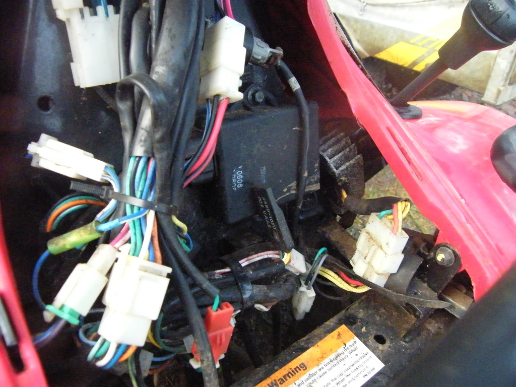 That\\u0027s The Rascal Under The Gear Stick And Nothing Was Coming Out Of It The \\u0027juice\\u0027 Was Going In There Through The Three Yellow Wires But ... & Wiring-diagram-for-quadzilla-250 \u0026 Wiring Diagram For Quadzilla 250 ...
